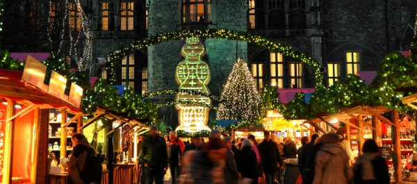 10 Gründe warum es schon Vorweihnachtszeit ist vorweihnachtszeit 10 Gründe warum es schon Vorweihnachtszeit ist 05 weihnachtsmarkt 600x265